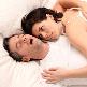 Wat helpt tegen snurken - snurkende man