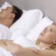 Wat te doen tegen snurken - snurkende man