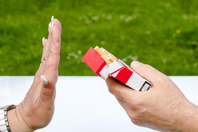 Snurken stoppen door te stoppen met roken